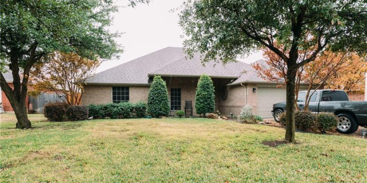 505 Sycamore Lane, Saginaw TX