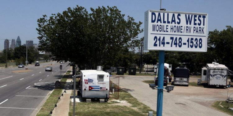 Deadline to vacate West Dallas