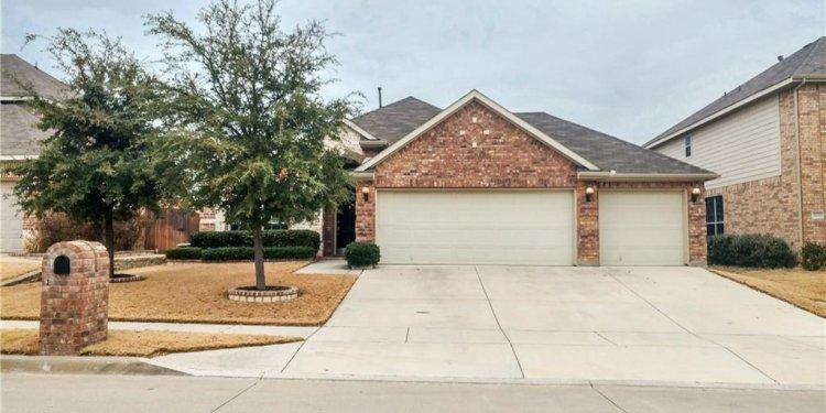 Monica Lane, Fort Worth TX