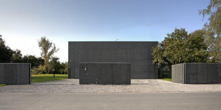 Safe House: The Brilliant