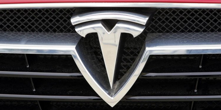 Tesla sets up shop in Dallas