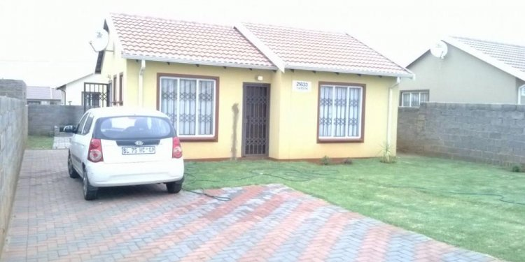 Houses for rentals Around