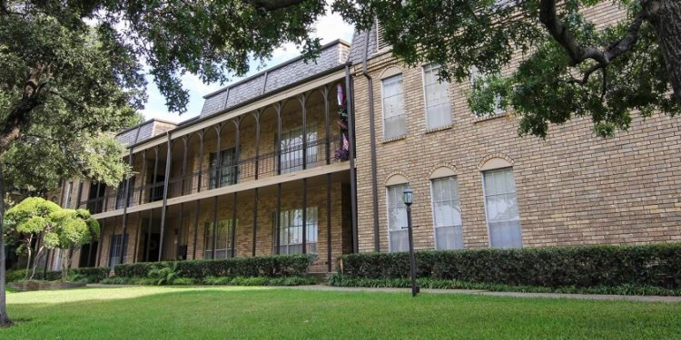Condos for sale in FT Worth TX